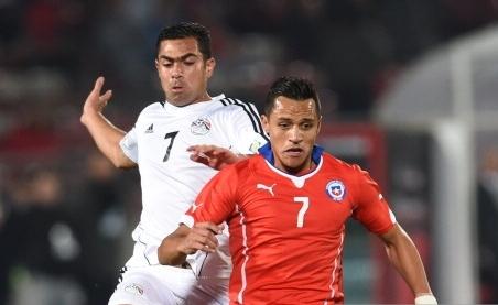 مصر تخسر بصعوبة أمام تشيلي 2-3