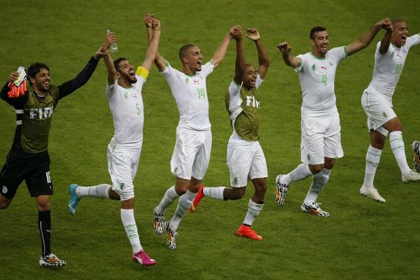 الجزائر تصنع التاريخ وتبلغ دور الـ 16 من المونديال