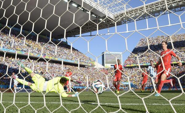 دي ماريا يقود الأرجنتين للفوز على سويسرا