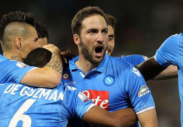 نابولي يظفر بكأس السوبر الإيطالي على حساب يوفنتوس بعد مباراة مجنونة