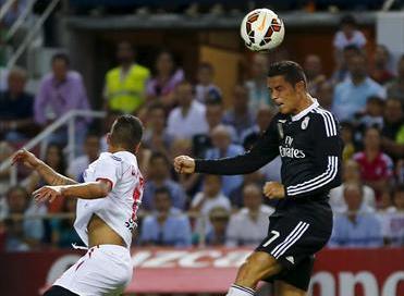 فيديو: هاتريك رونالدو يمنح ريال مدريد الفوز أمام إشبيلية