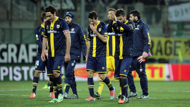 نادي بارما يهبط رسمياً إلى الدرجة الرابعة الإيطالية