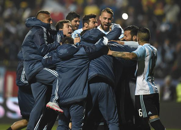 فيديو: ركلات الترجيح تمنح الأرجنتين الفوز على كولومبيا