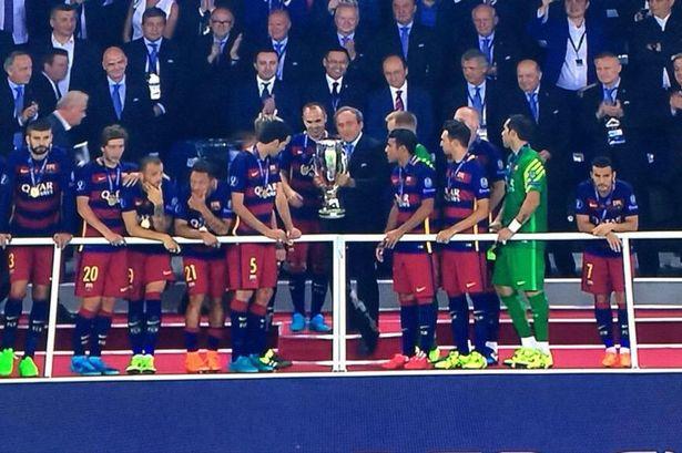 صورة تأكد رحيل بيدرو عن برشلونة