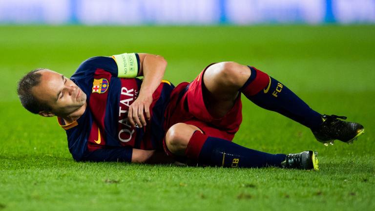 رسمياً … إنيستا يغيب عن برشلونة لمدة تتراوح من 4 إلى 6 أسابيع