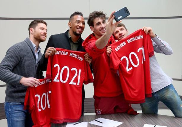 بايرن ميونخ يجدد عقود 4 لاعبين بالفريق بينهم مولر
