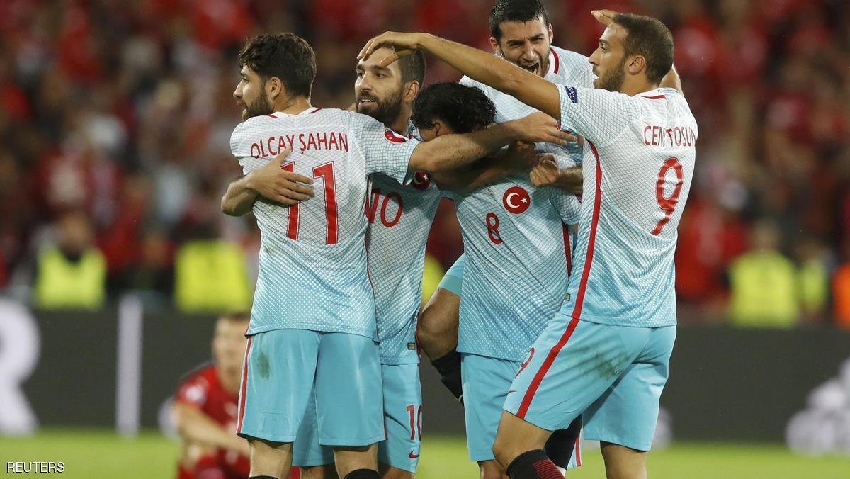بالفيديو: تركيا تفوز على تشيكيا وتحافظ على آمالها باليورو