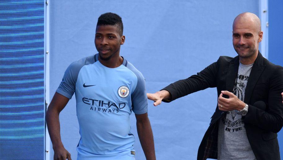 مانشستر سيتي يجدد عقد مهاجمه النيجيري حتى عام 2021