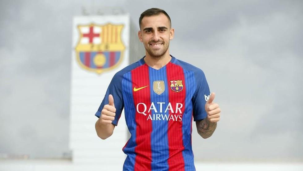 رسمياً … برشلونة يتعاقد مع المهاجم الإسباني باكو ألكاسير