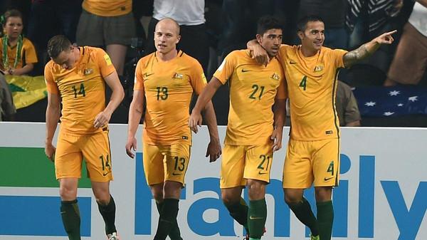بالفيديو: كاهيل يقود أستراليا إلى هزيمة الإمارات