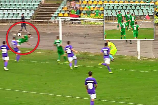 """شاهد … لاعب أوكراني يسجل هدفاً بطريقة """"ركلة العقرب"""""""