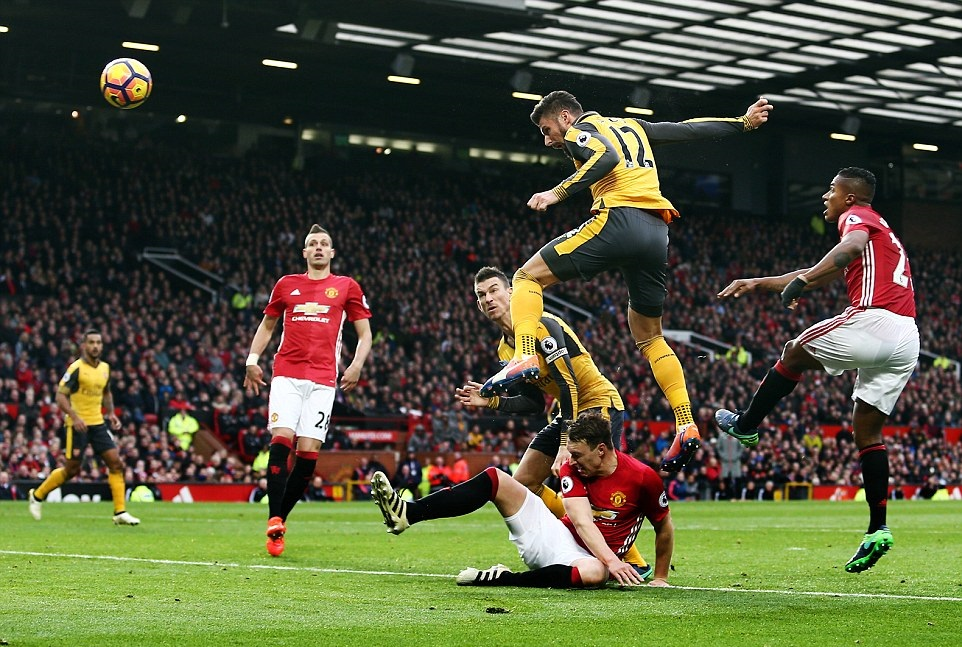 بالفيديو: أرسنال يقتنص تعادل غير مستحق أمام مانشستر يونايتد