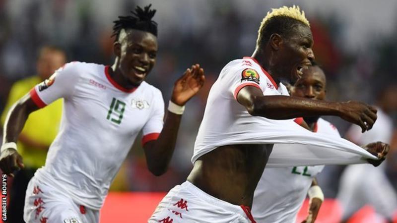 بالفيديو: بوركينا فاسو تتأهل لنصف نهائي الكان على حساب تونس
