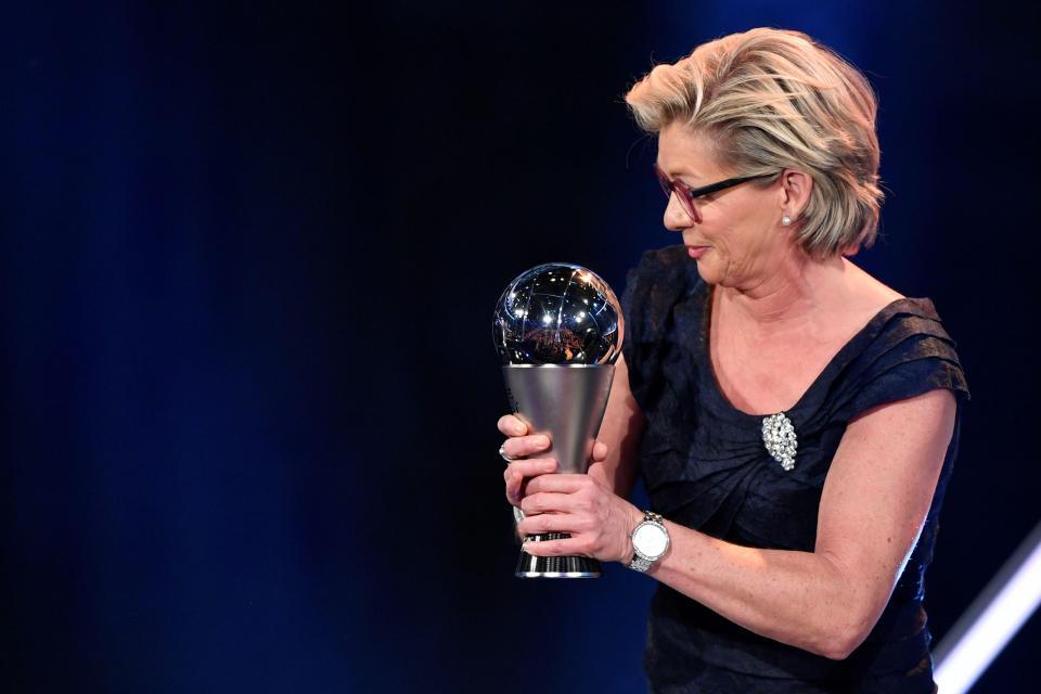 رسمياً … المدربة الألمانية سيلفيا نايد أفضل مدربة لعام 2016