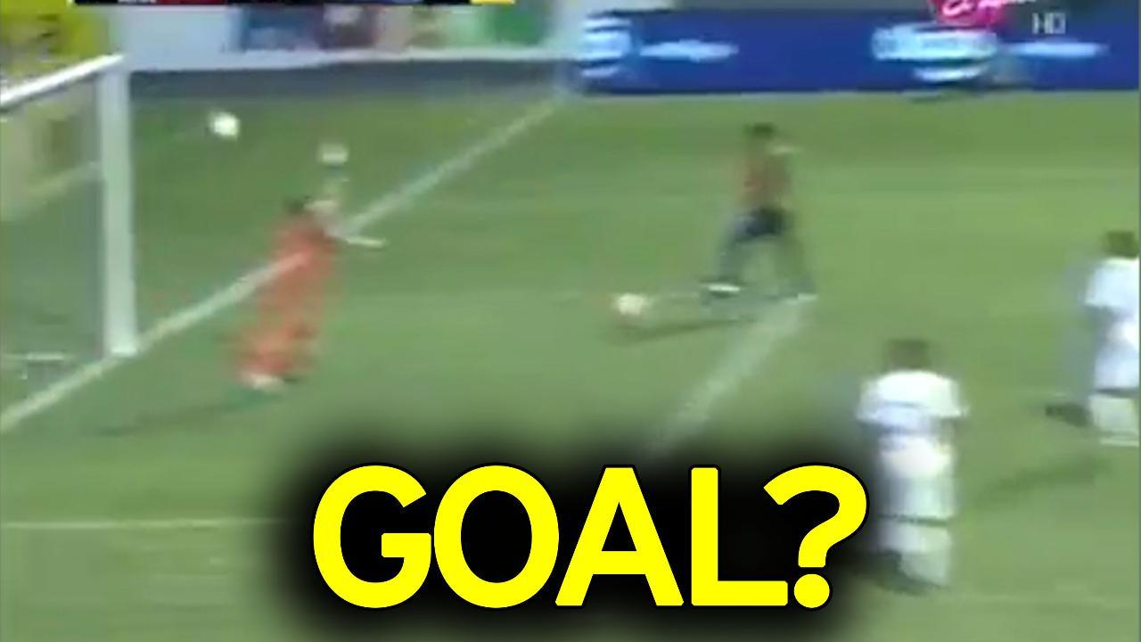 شاهد … أكثر هدف مثير للجدل في تاريخ كرة القدم
