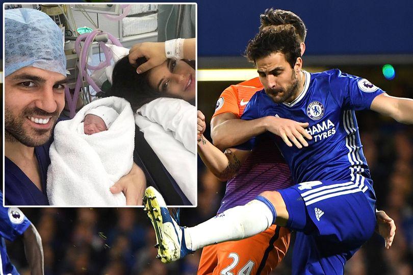 """صورة … لاعب """"تشيلسي"""" سيسك فابريغاس يرزق بمولوده الثالث"""