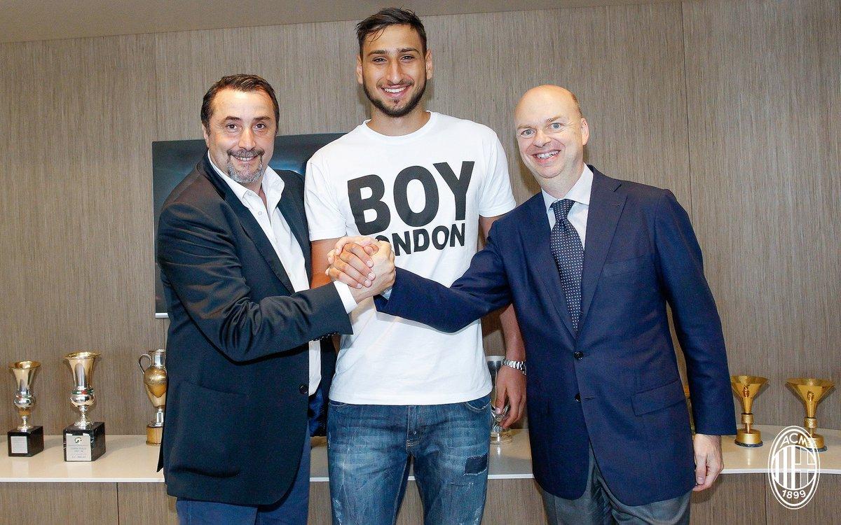 رسمياً … ميلان الإيطالي يجدد عقد الحارس دوناروما حتى 2021