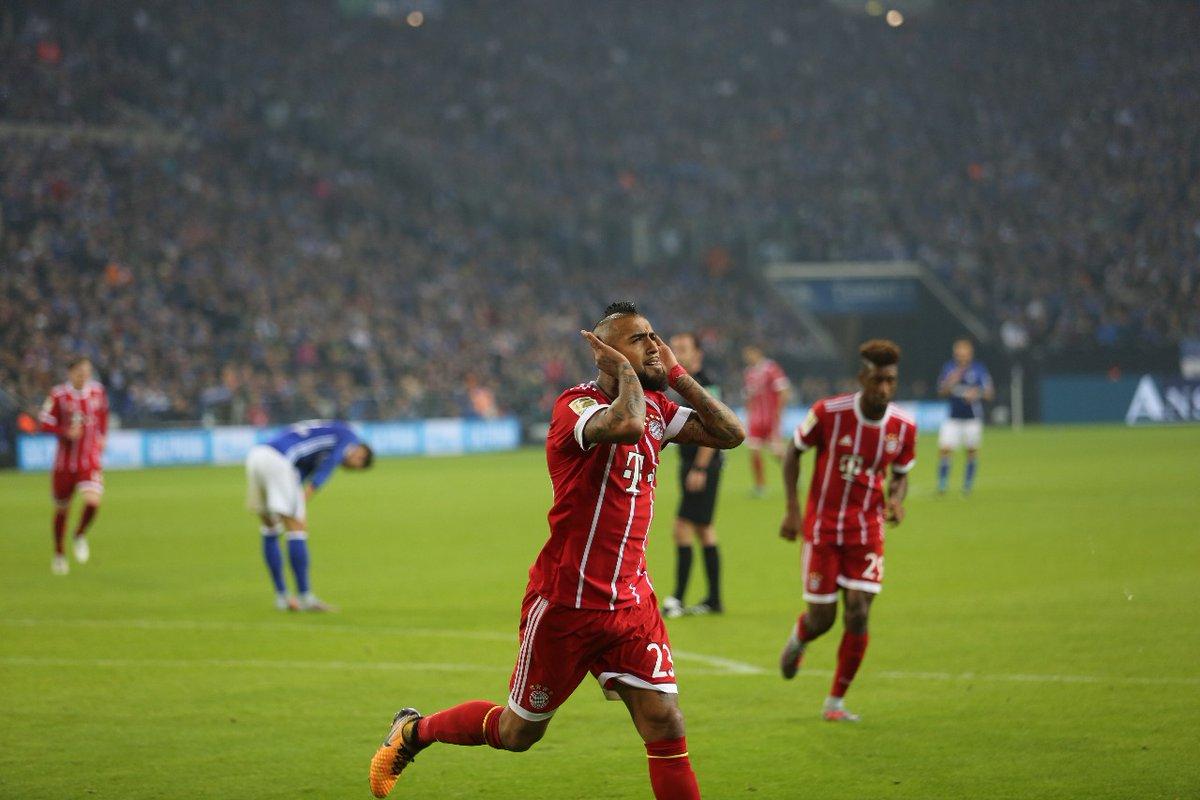أهداف مباراة بايرن ميونخ وشالكة 3-0 الدوري الألماني