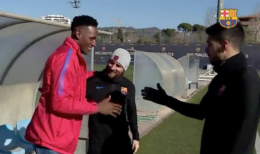 """شاهد … كيف استقبل نجوم برشلونة زميلهم الجديد """"ياري مينا"""""""