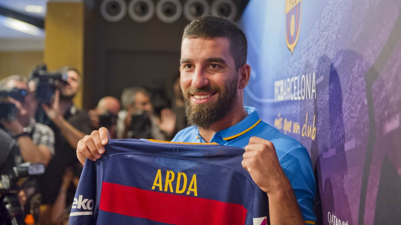 """مفاجأة … فريق إنجليزي يرغب بضم """"أردا توران"""" من برشلونة"""