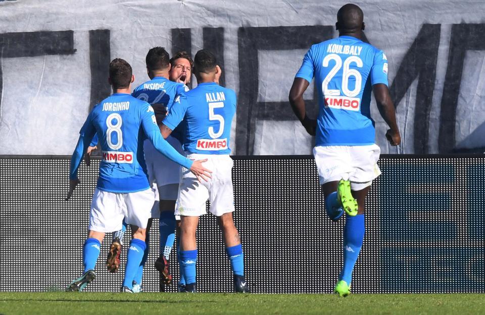 أهداف مباراة نابولي وكروتوني 2-1 الدوري الإيطالي