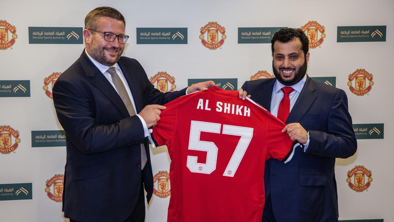 عاجل: السعودي محمد السهلاوي يخوض فترة تدريبية في مانشستر يونايتد