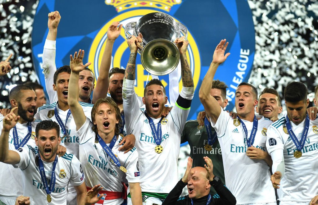 شاهد مراسم تتويج ريال مدريد بدوري الأبطال