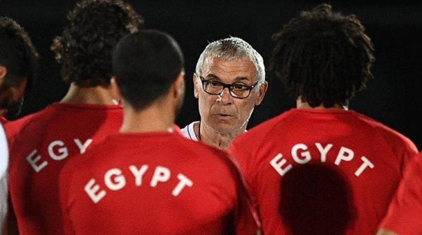 رسمياً … الإتحاد المصري يعلن إقالة المدرب هيكتور كوبر