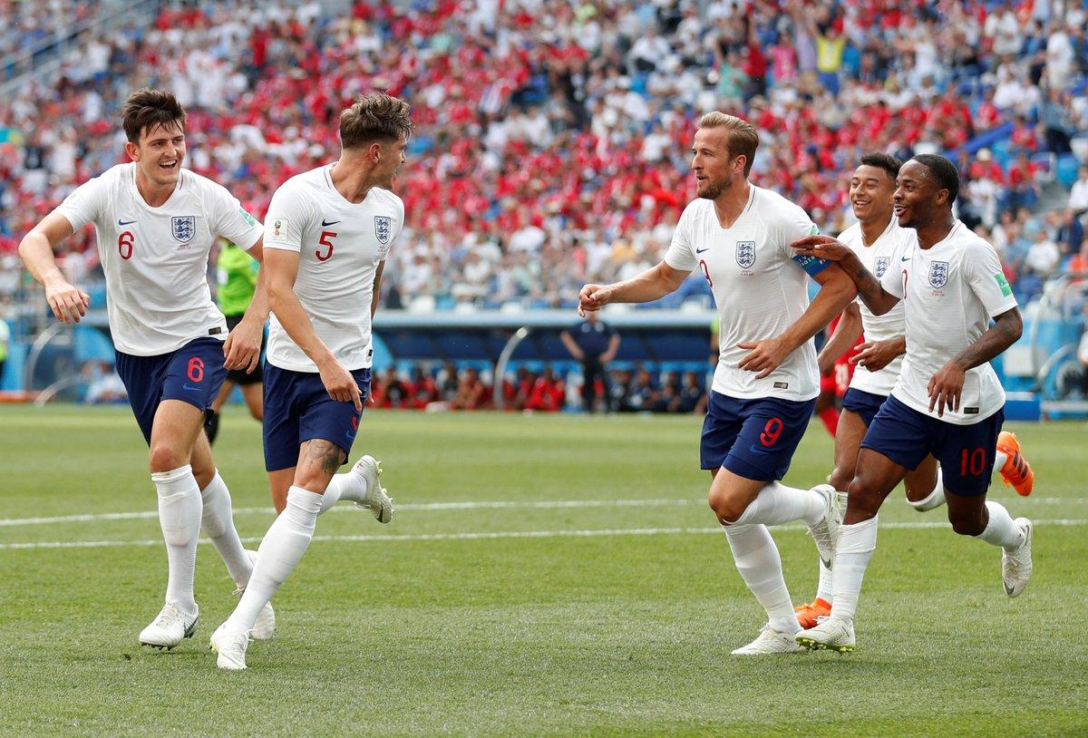 شاهد … الجماهير الإنجليزية تسخر من لاعب ليفربول السابق