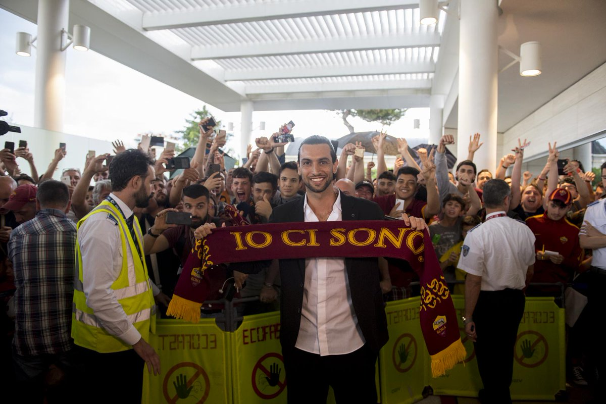 عاجل: باستوري يصل روما استعدادًا للانضمام للفريق مقابل 24 مليون يورو