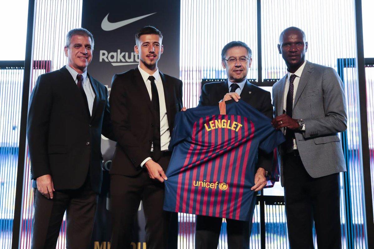 رسمياً … برشلونة يعلن التعاقد مع المدافع لينجليت
