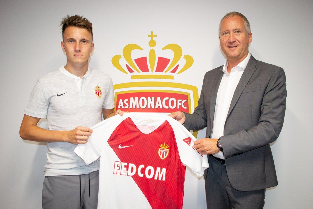 رسمياً … الكسندر جولوفين ينضم إلى موناكو الفرنسي