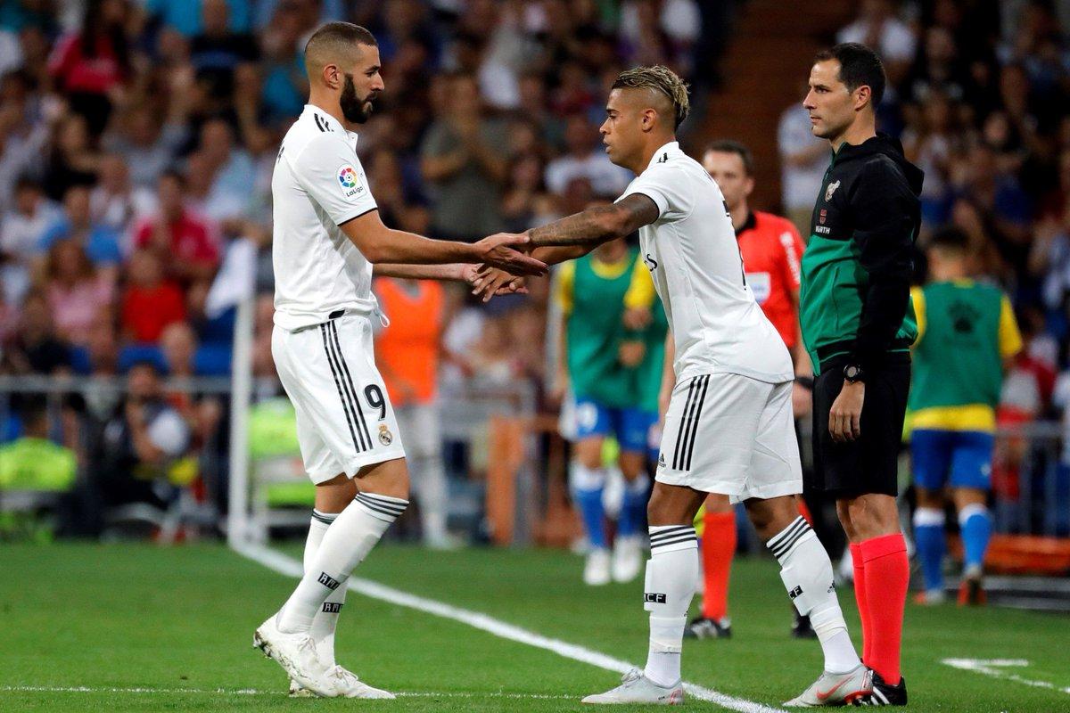 رسمياً … عدنان يانوزاي رجل مباراة بلجيكا وإنجلترا