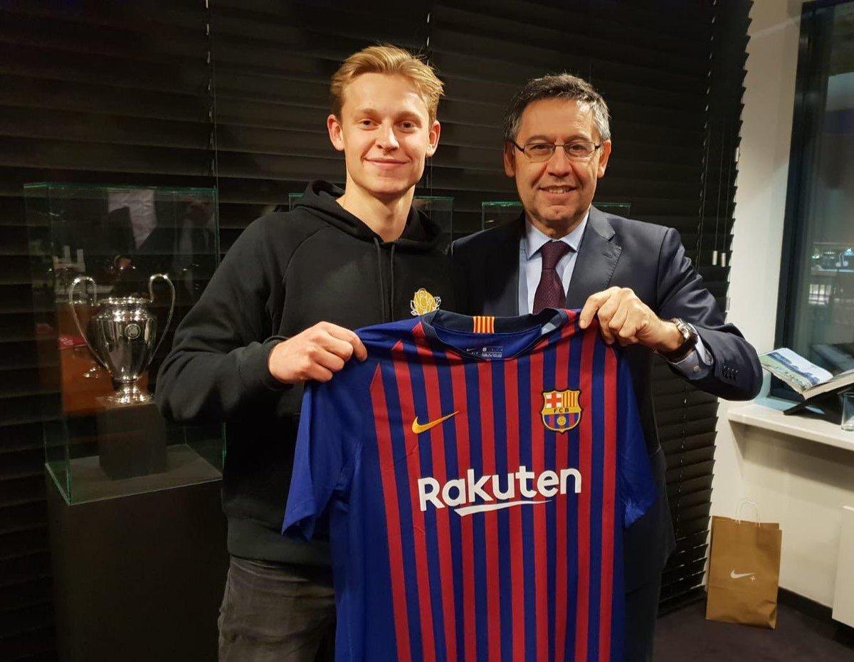 رسمياً … برشلونة يخطف الموهبة الهولندية دي يونغ