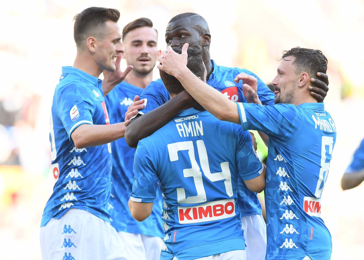 نابولي يهين روما برباعية في الدوري الإيطالي