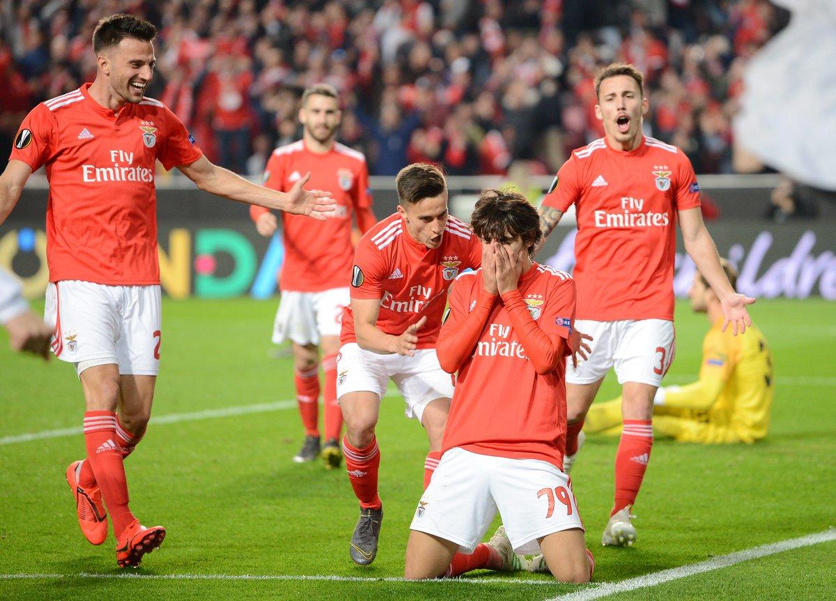 بنفيكا يفاجئ فرانكفورت برباعية في الدوري الأوروبي
