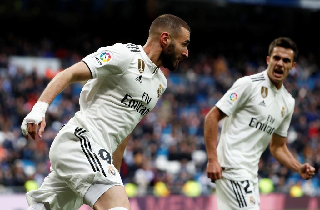 ريال مدريد يفلت من كمين إيبار بثنائية كريم بنزيمه