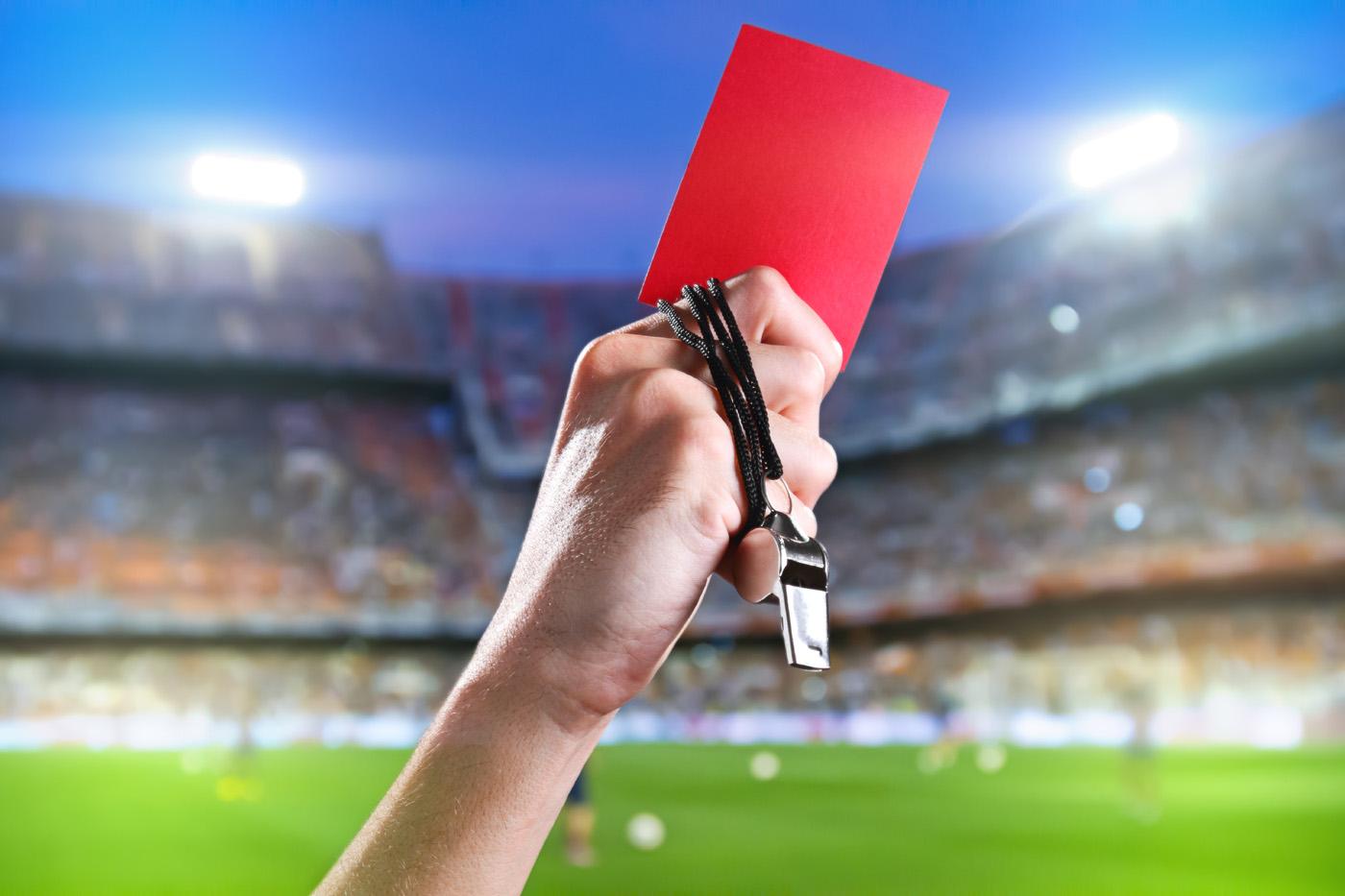 الكشف عن حكم مباراة نهائي دوري الأبطال بين ليفربول وتوتنهام