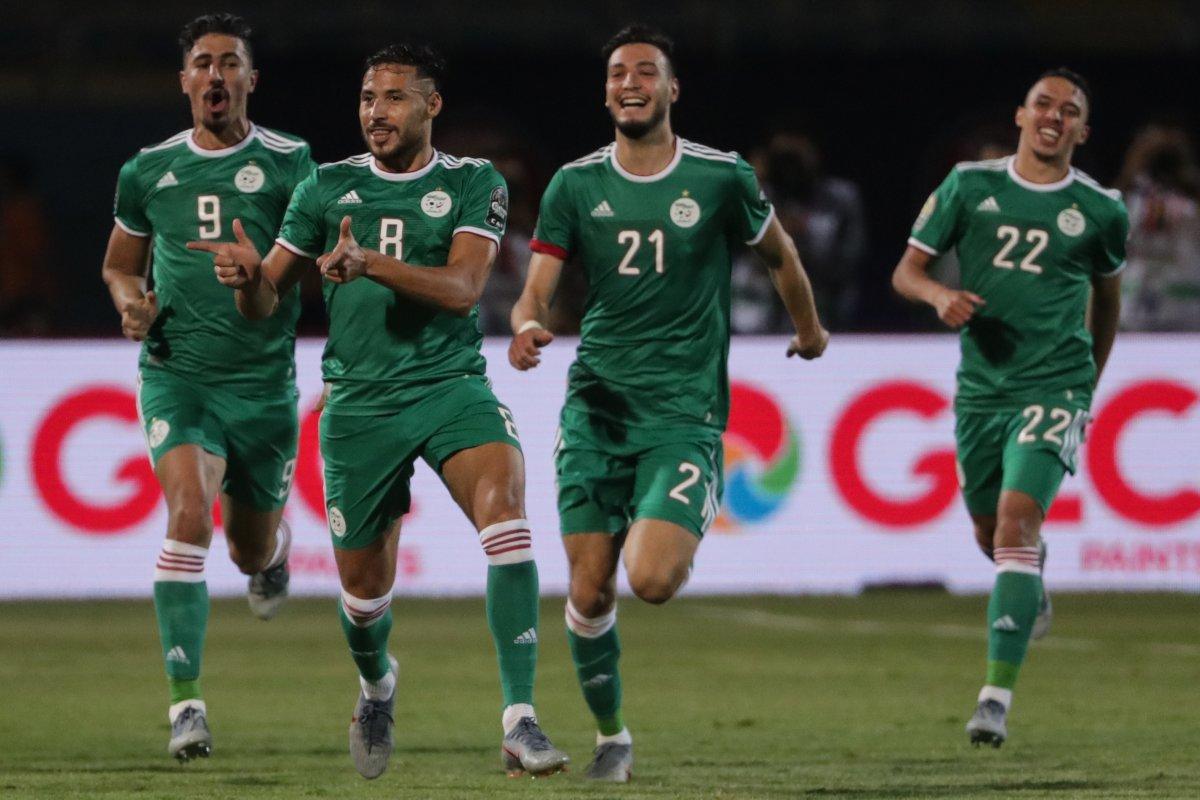 الجزائر تتأهل للدور الثاني بفوز ثمين على السنغال
