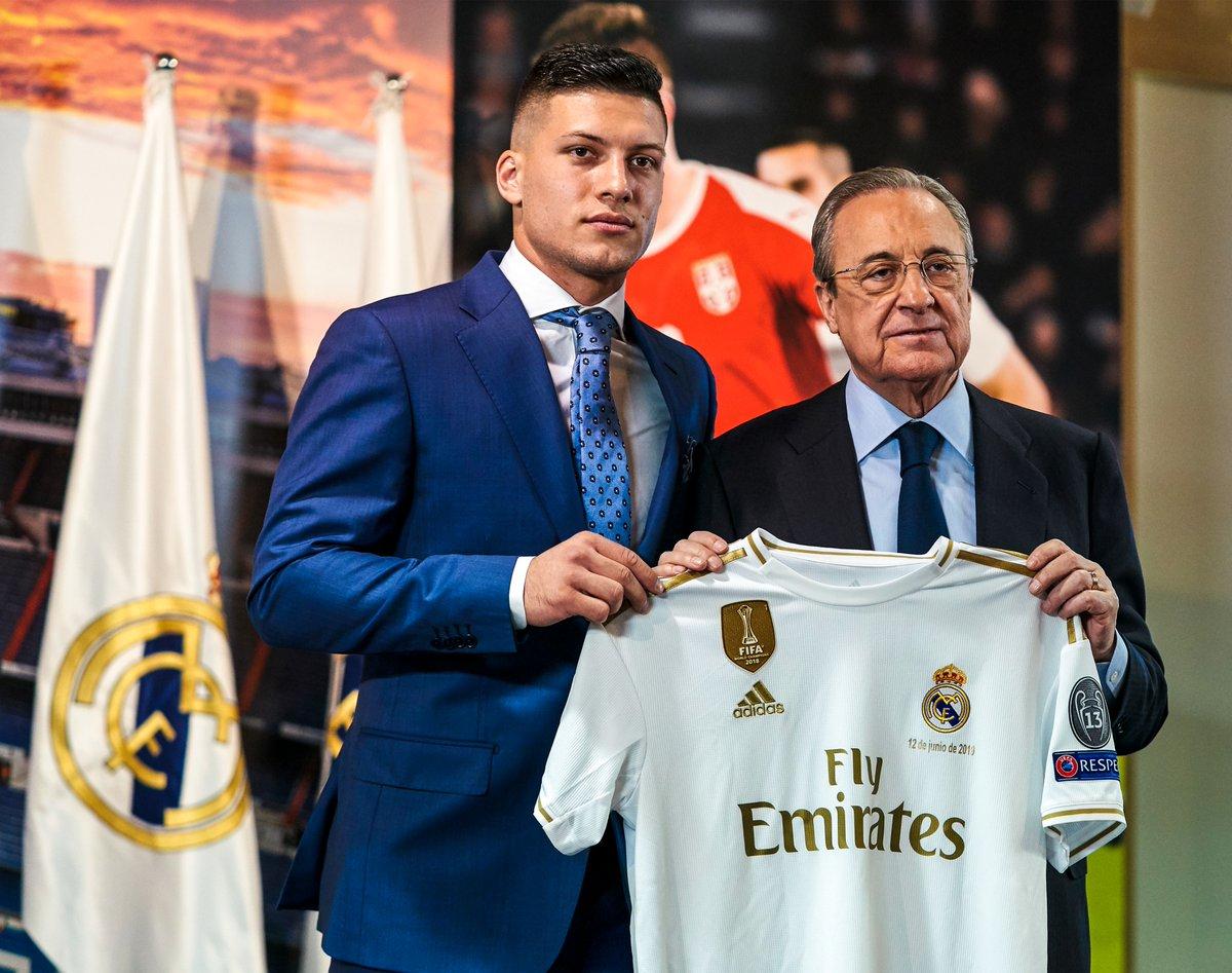 """ريال مدريد يقدم لاعبه الجديد """"يوفيتش"""" لوسائل الإعلام"""