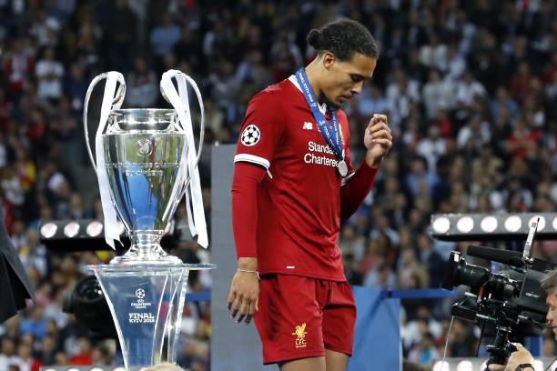 فان دايك نجم ليفربول يتوج بجائزة لاعب الأسبوع في دوري الأبطال