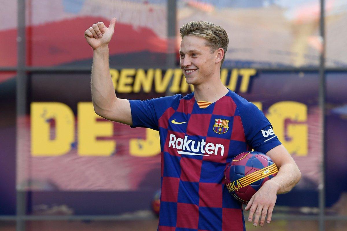"""رسمياً … برشلونة يقجم لاعبه الجديد """"دي يونغ"""" لوسائل الإعلام"""