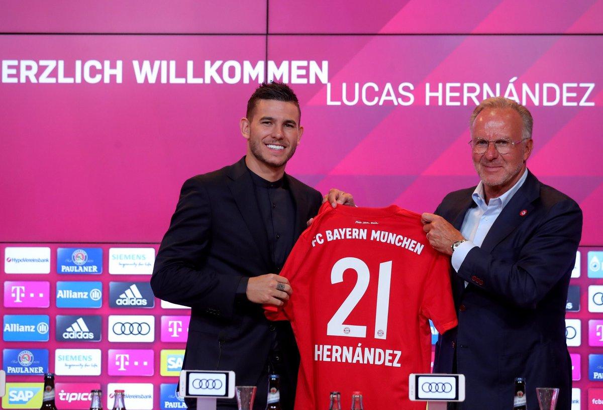 رسمياً … بايرن ميونيخ يقد لاعبه الجديد لوكاس هيرنانديز لوسائل الإعلام