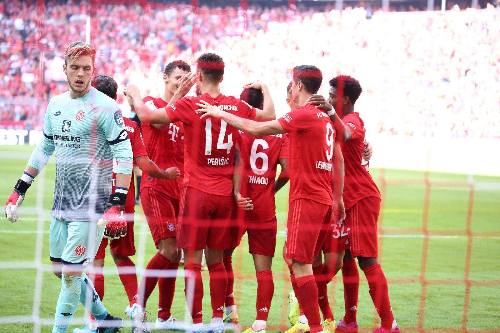 بايرن ميونخ يسحق ماينز بسداسية في الدوري الألماني