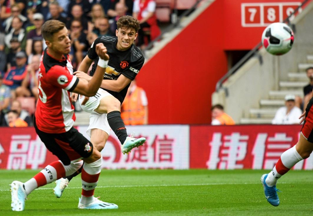 ساوثهامبتون يخطف نقطة ثمينة من مانشستر يونايتد