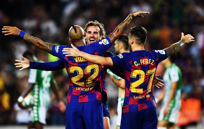 برشلونة يهزم فياريال ويخسر ميسي للإصابة
