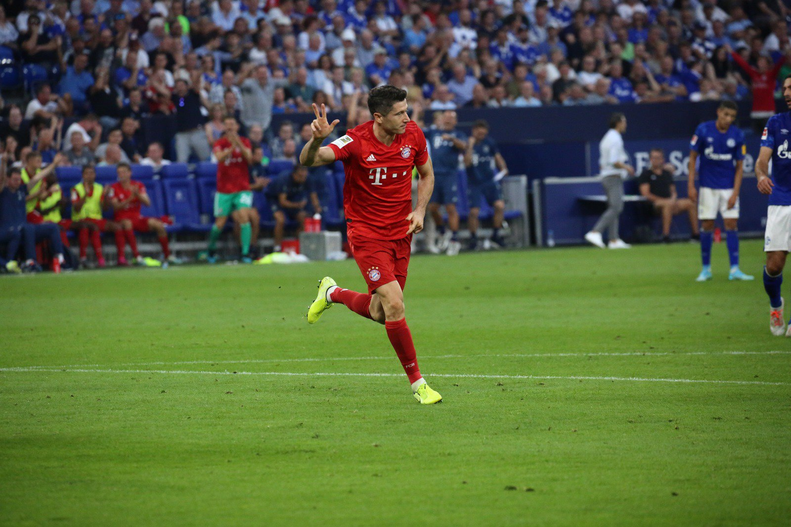 أهداف مباراة برشلونة وملقه 2-0 الدوري الإسباني