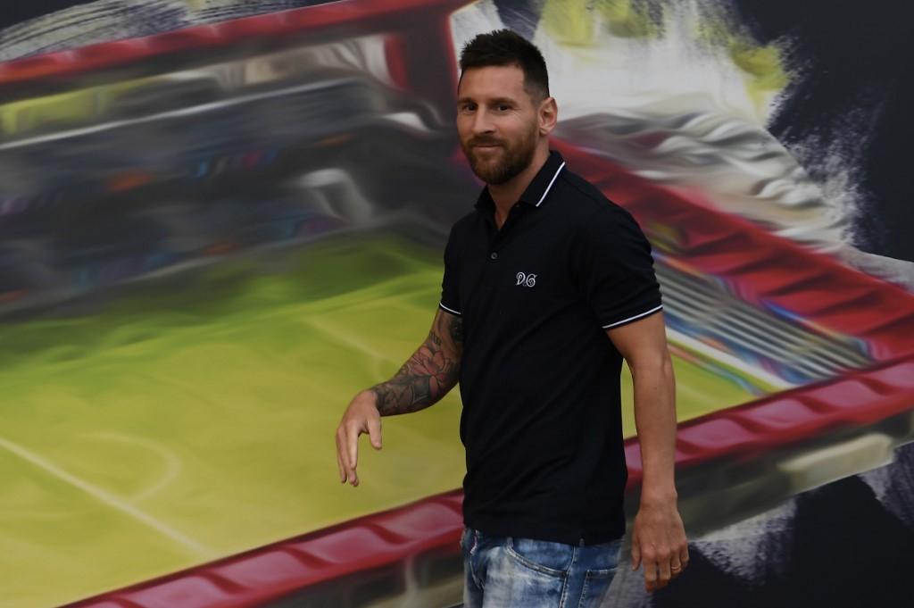 ميسي يثير قلق جماهير برشلونة