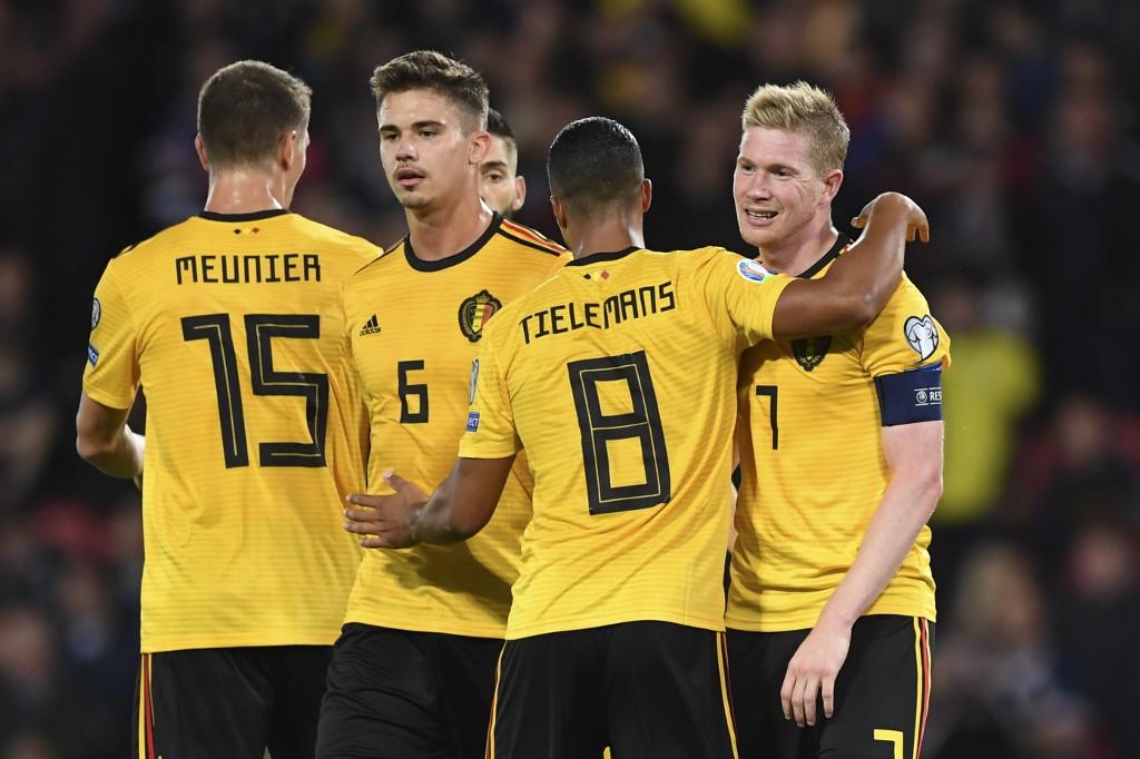بلجيكا تفوز على اسكتلندا وتضمن التأهل ليورو 2020