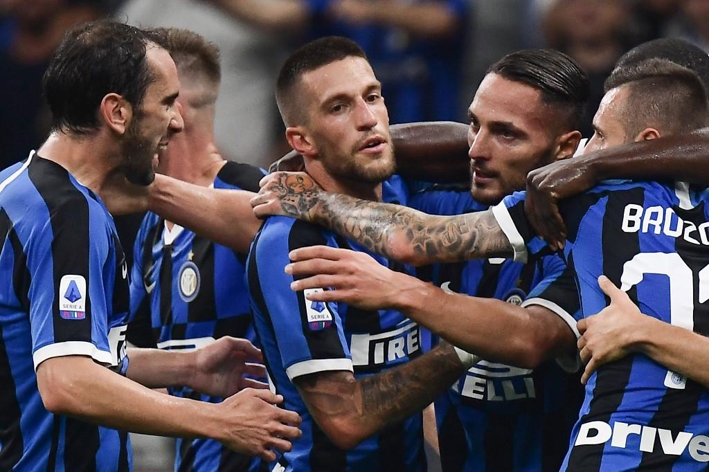 إنتر ميلان يحقق فوزه الخامس على التوالي في الدوري الإيطالي
